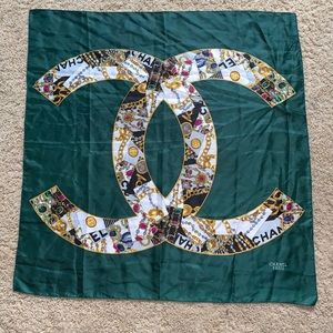 Green Chanel CC scarf